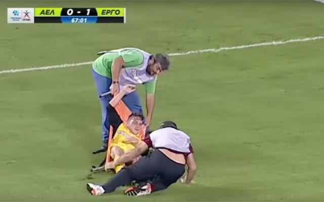 Viral: Injured player at Larissa - Ergotelis